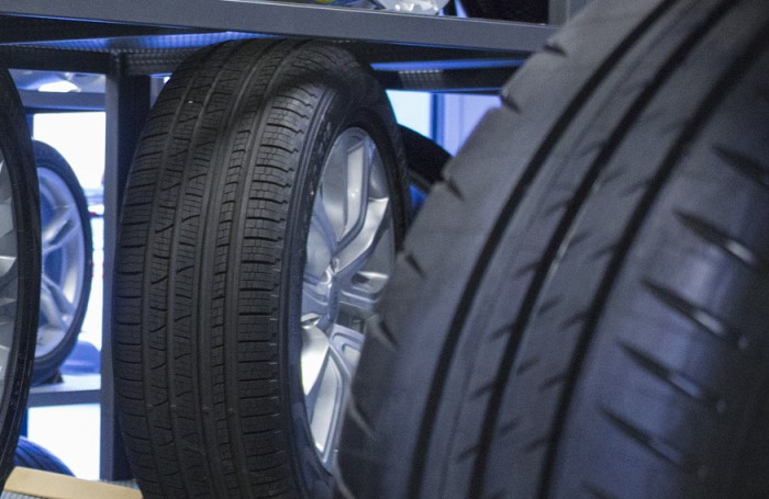 Reifen Lager |KFZ-Tucholke